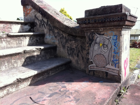 Boundary Street Stair Owl - West End - {photo: alicia camenzuli}